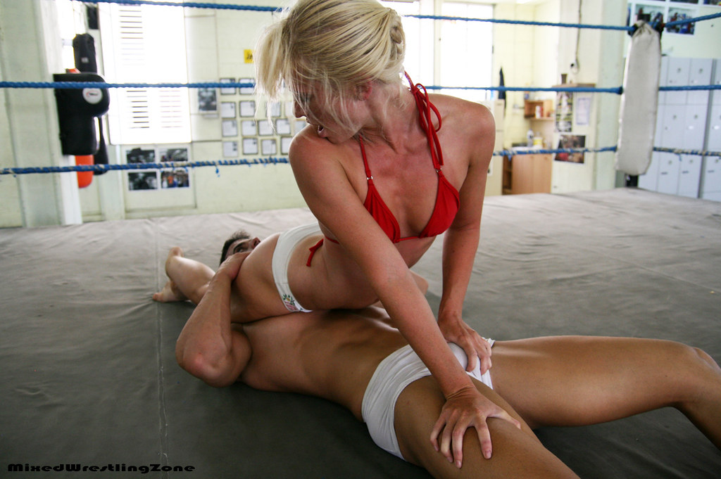 Leg scissor handjob i figured why not 10