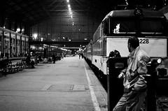 Budapest (SCL/BUD) Tags: zeiss nikon europa europe hungary budapest streetphotography easterneurope magyarorszag hungra distagon carlzeiss europadeleste documentaryphotography fotografadocumental zf2 d7000 fotografacallejera nikond7000 zeissdistagont35mmf2zf2