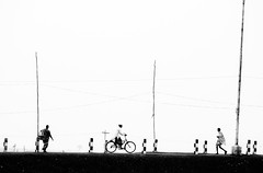 Commuters (Ragavendran / Rags) Tags: travel bridge people bicycle walking cycling move cycle commute walkers commuters movers pulicat cwc rurallife ruralindia chennaiweekendclickers chennailife ragavendran