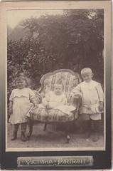 (Andris /Pkszi/) Tags: old vintage photo foto cabinet portait visit victoria