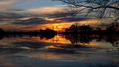 Sunset across a flooded Tealham moor... (Cosper Wosper) Tags: sunset night reflections flood cloudy moor tadham