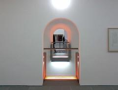 Neontunnel, Wiesbaden 2012 (Spiegelneuronen) Tags: museum wiesbaden räume modernekunst