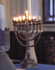 bald b (AnnAbulf) Tags: synagoge fvg judaica hanukkah chanukkah gorizia hanukkiah leuchter candelabro sinagoga friuliveneziagiulia 5772  grz abigfave chanukkiah friauljulischvenetien hanukk chanukk hanukki chanukki chanukkahleuchter hanukkahleuchter