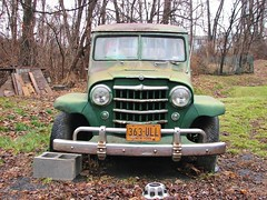 OLD WILLYS  STATIONWAGON (richie 59) Tags: street city autumn trees urban usa streets america outside us rust unitedstates jeep antiquecar rusty headlights grill kingston vehicles faded chrome rusted vehicle newyorkstate crusty automobiles willys obsolete stationwagon corroded 2012 wilbur wornout nystate frontend hudsonvalley citystreet kingstonny antiquecars 2door oldjeep rustedout motorvehicles fadedpaint ulstercounty motorvehicle smallcity jeepstationwagon stationwagons midhudsonvalley 1950scar americancity ulstercountyny oldstationwagon willysjeep oldsuv willysstationwagon oldstationwagons americansuv greensuv richie59 2doorstationwagon wilburny dec2012 dec102012 rustysuv 1950ssuv
