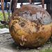 Un'enorme ancora sferica