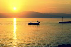 (..*SiMo*..) Tags: sea barca tramonto mare natura cielo sole colori croazia paesaggio controluce monti onde krk orizzonte contrasto