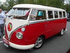 1964 Volkswagen Transporter (splattergraphics) Tags: 1964 volkswagen transporter bus vw volksrod carshow beersgears delawarepark wilmingtonde
