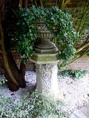 Old Swan House (HerryLawford) Tags: osh garden august column ivy urn gravel limestone