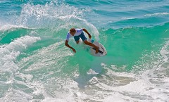 Noah Webb (cjbphotos1) Tags: thevic2016 aliso beach skimboarding finless waves spray action sports ocean lagunabeach california thevic2016skimboardingchampionship pro mens womens world
