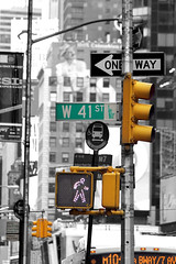 Manhattan Street (tagann) Tags: selectivecoloring nyc manhattan newyork street rue colorationselective usa