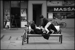 Gent (B) - Sint-Baafs - 2016/06/04 (Geert Haelterman) Tags: geert haelterman streetphotography straatfotografie photographiederue photoderue fotografadecalle fotografiadistrada strassenfotografie candid streetshot monochrome black white blackandwhite zwart wit belgium ghent gent gand fujifilm x10