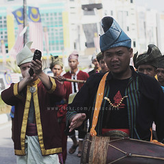BUSANA MELAYU | NATIONAL DAY 2016 (Arif Kori (खबर आपा ढाका)) Tags: melayu busanamelayu costume tradition traditional malay parade national nationalday2016 merdeka1957 59years kualaterengganu terengganu tranung malaysia arifkori action maritalarts fashionart heritage