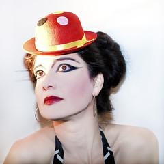 Pili 2012 (www.eduardoeduardo.com) Tags: beauty circus clown bilbao sombrero pili payaso guapa eduardo morena maraon llodio cepeda gabia gavia