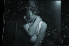 in the jungle (pixelwelten) Tags: portrait art analog mediumformat kunst hamburg sensual lightleak nah analogue delicate intimate mittelformat nachhaltig rdigerbeckmann beyondvanity jenseitsvoneitelkeit