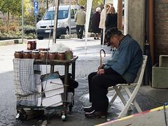 streetRivalba2012_PB110424_1 (stegdino) Tags: sleeping relax chair market sleep mercato sonno sedia challengeyouwinner storybookwinner pregamewinner