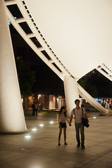 ([Jim]) Tags: city urban night singapore couple asia outdoor culture esplanade marinabay outdoortheatre d90 theatresonthebay
