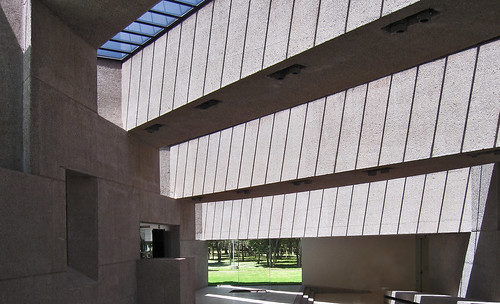"Museos Tamayo 07jpg • <a style=""font-size:0.8em;"" href=""http://www.flickr.com/photos/30735181@N00/8199458311/"" target=""_blank"">View on Flickr</a>"