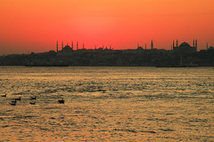 Istanbul, Turkey (SvKck) Tags: sea sky orange water turkey landscape view dusk trkiye istanbul mosque cami deniz hagiasophia istambul gkyz manzara gnbatm ayasofya turuncu dersaadet payitaht ottomanstyle