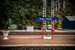 Trois-Ponts station platform (dawvon) Tags: world city travel ed nikon europe traffic belgium zoom snapshot rail railway snaps nikkor f4 vr afs platforms lenses lige zoomlens wallonie f4g 24120mm wallonia troisponts fmount vibrationreduction kingdomofbelgium vr2 vrii standardzoom walloonregion provinceoflige nanocrystalcoat afsnikkor24120mmf4gedvr 24120mmf4gvr stationtroisponts garedetroisponts