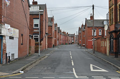 Terraces (Steve Barowik) Tags: streets brick terraces leeds b2b holbeck barowik stevebarowik sbofls26