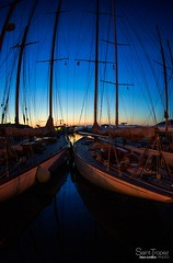 PORT SAINT TROPEZ (steve lorillere) Tags: sunset reflection night port boot boat mas barco sonnenuntergang nacht sharp reflet prdosol porto noite bateau reflexion nuit voilier vieux coucherdesoleil  sainttropez   reflexo scharf asme afiado ponche    pointu    oldsailboat    laponche  oponche theponche altensegelboot comome denponche velhoveleiro wieich   ponche