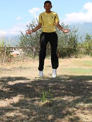 Fly away from here (Haydelis) Tags: canon levitation 2012 week48 volar levitando 522012 52weeksthe2012edition weekofnovember25