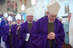 Reverent Reverend (pea g.) Tags: church religious catholic purple unitedstates cathedral florida reverend prayer ceremony indoor bow ritual procession reverence mass bishop staugustine saintaugustine cathedralbasilicaofstaugustine afsvrzoomnikkor70200mmf28gifed nikond700 concelebration