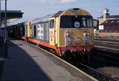 20023 + 20141 Derby 03/08/1989 (Paul-Green) Tags: uk english electric 1 br working picture engine vice rail loco slide trains class scan crewe photograph scanned type british locomotive 1989 20 railways derby dmu 20023 hauled 20141