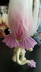 gargirl wings (meimi132) Tags: zelfs zelf series6 cute adorable trolls gargirl gargoyle yellow pink stone wings
