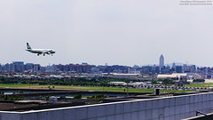 EVA Air Airbus A321-211 | B-16201 (HarenWang) Tags:   taiwan taipei taipei101 101 travel fly flying veiw views trip traveling photography  airport aircraft taipeisongshanairport tsa songshan     international        eva air airbus a321211 b16201 evaair     a320