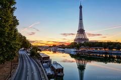 La Tour Eiffel - Paris - France (Cdric Mayence Photography) Tags: toureiffel gustaveeiffel eiffeltower paris france matin morning sunset sunrise levdesoleil seine pontdebirhakeim oloneo hdr highdynamicrange canon bateau boat bateaumouche