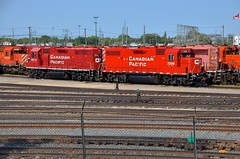 An ex-Lehigh Valley unit far from the Northeast (Michael Berry Railfan) Tags: cp canadianpacific westonyard winnipeg manitoba emd gmd sd402 gp382 cp7306 lehighvalley delawarehudson dh