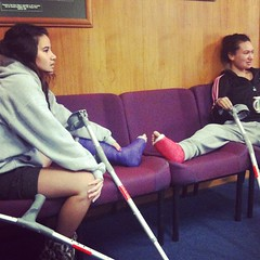 freshk_6bbe2386ea9011e18e3c22000a1e8b97_ (cb_777a) Tags: broken leg ankle foot cast crutches toes