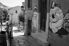 Chacun cherche son chat, Athens Greece (mafate69) Tags: eu ue europe greece grce athena athnes athens ville city candid nb noiretblanc blackandwhyte bw portrait photojournalisme photoreportage photojournalism rue reportage documentaire documentary street streetshot streetlevelphoto streetart mafate69
