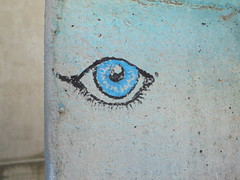 031 (en-ri) Tags: occhio eye ciglia azzurro nero torino wall muro graffiti writing