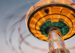 Spinning Mushroom (freyavev) Tags: mushroom spinning longexposure long exposure blurry colorful lights funpark wasen cannstatter bad cannstatt badcannstatt cannstatterwasen stuttgart festival germany deutschland