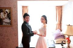 Wedding (HIKARU Pan) Tags: wedding light photography asia shanghai documentary indoors backlighting china1 canonef1635mmf28liiusm 5d2