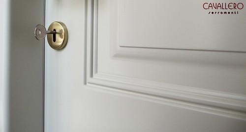 Particolare di una porta interna pantografata