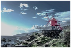 awaiting the storm.... ( pedrosilva) Tags: ocean sea storm portugal windmill digital photoshop landscape moulin rouge island mar nikon afternoon angle wide pic nopeople paisagem atlantic pico paysage 35 ilha moinho azores lajes oceano entardecer atlantico aores 18mm le tempestade calheta atlntico ilhadopico moinhodevento pedrosilva lajesdopico calhetadenesquim nesquim d5100 sempessoas mygearandme mygearandmepremium mygearandmebronze photographyforrecreation nonpersonnes nikonnikkorvr18105 pedrosilva