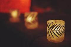 Hoy en la Feria (JavierAndrs) Tags: city light red hoja leave luz shop dark fire 50mm three rojo nikon candle dof bokeh 14 llama artesanal feria craft ciudad fair depthoffield flame hoy tres fuego nikkor vela today crdoba pdc artesania oscuro profundidaddecampo negocio feriadelaspulgas laslianas d3100