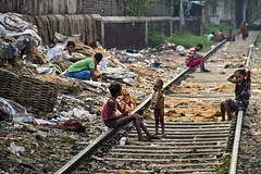 (Arun Titan) Tags: poverty road street travel india canon photography photo flickr track village photos availablelight ambientlight streetphotography railway naturallight 7d roadside kolkata calcutta arun kolkatta northindia ambientlighting travelphotography arunkumar arunr povertyinindia canon18135 kolkatastreet canon7d mg1176 colorofindia arun4884 aruntitan mg4371 kolkatarailway