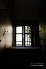 Immagine_7290_01.jpg (Federica Venuto) Tags: portrait abandoned donna nikon shooting mad ritratti manicomio follia folle ospedale terrore abbandonato rovinato limbiate mombello psichiatrico psichiatria interrato
