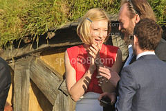 Cate Blanchett chats with Hugo Weaving on the stage during the premiere (800px) Tags: world red film carpet arts entertainment journey wellington premiere hobbit unexpected cate blanchett
