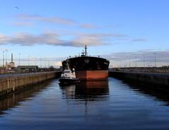 A mammut entering the narrow locks - IJmuiden, The Netherlands (Dutchflavour) Tags: netherlands canal dock ship nederland vessel holanda tugboat ned sluice tanker ijmuiden paísesbaixos