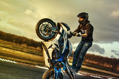 Le roi du monde (k-ny) Tags: france canon 50mm 50mm14 motorbike moto hdr stunt chteauroux 1000d tourneix