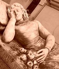 """Pre Lachaise / """"Cimetire du Pre Lachaise"""" / Paris en Spia / Tombe Tombeau Mausole Funbre Funraires Croque-mort Catafalque Fantme Esprit Ectoplasme Spectre """"Dame Blanche"""" Apparition Mystre Paranormal Revenants Maisons lieux Hantes """"Etres Chers"""" C (tamycoladelyves) Tags: en paris strange cemetery grave mystery amazing spirit maisons gorgeous ghost falls mausoleum u"""