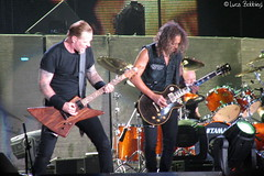 James & Kirk (Luca Bobbiesi) Tags: metal guitar milano gig concerto metallica big4 kirkhammett canonpowershots2 jameshetfield