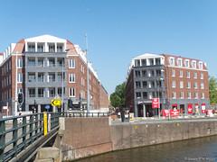 Katharina (jpmm) Tags: 2016 amsterdam architecture hanskolhoffarchitecten verkeerslicht vaart nieuwevaart