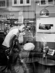 unbenannt (09. August 201690 von 124).jpg (Mette1977) Tags: streetphotography olympus hamburg candid street people 2016 microfourthird monochrome bw