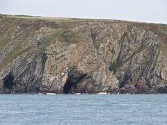 4002 Caves and geology below Mynydd Twr (Andy panomaniacanonymous) Tags: 20160907 caves ccc cliffs cruise geology ggg holyisland rockface roundtrip rrr southstackrspb sss ynysgybi ynyslawd ynysmon